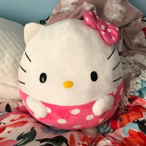 Hello Kitty Round Plushie